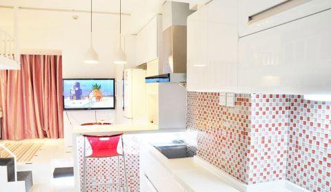 朴素温馨彩色背景墙装饰设计