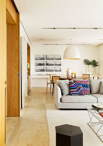 低调优雅客厅沙发家装设计