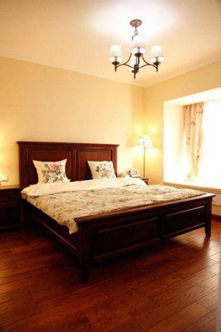 唯美红木色卧室装修案例效果图