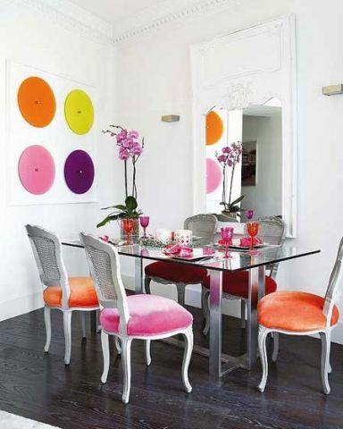 自然简约彩色餐桌装修设计图片