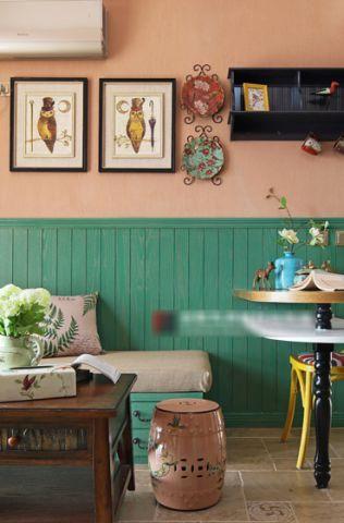 温馨咖啡色照片墙设计图片