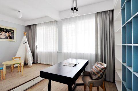 雅致白色玄关装修图片