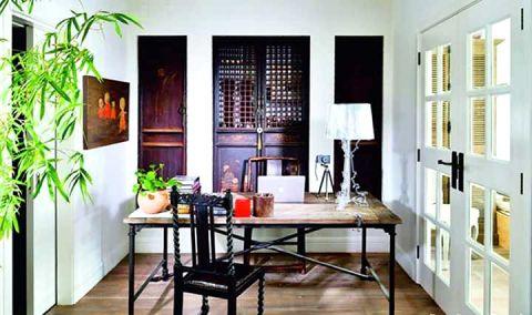 书房咖啡色书桌装潢图片