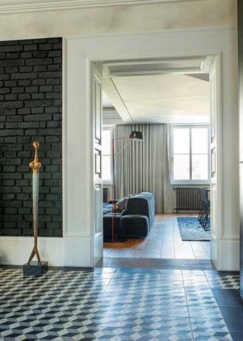 设计优雅黑白灰地砖装潢图
