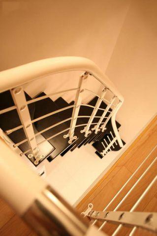 小巧玲瓏玄關樓梯設計效果圖