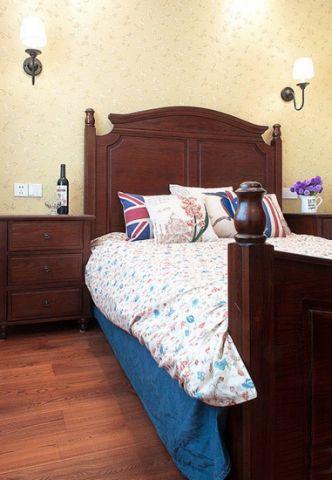 簡約臥室床頭壁燈床裝飾實景圖片