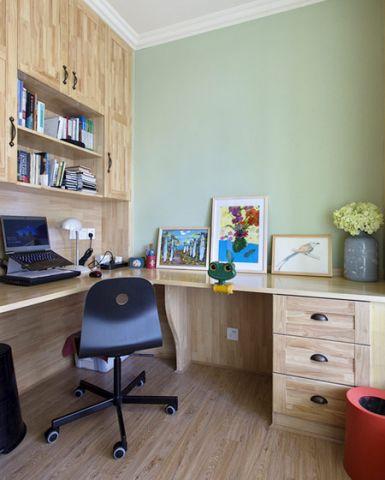 混搭卧室吊柜书桌实景图