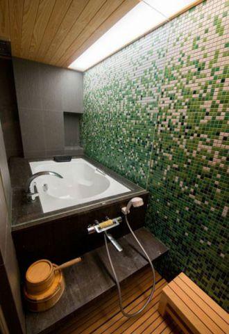 自然现代黑色浴缸装修案例图片
