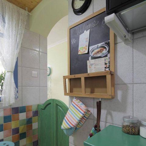 厨房彩色背景墙室内装修设计