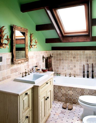 混搭卫生间背景墙装修效果图欣赏