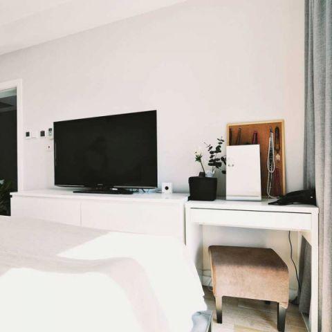 卧室白色电视柜装修美图