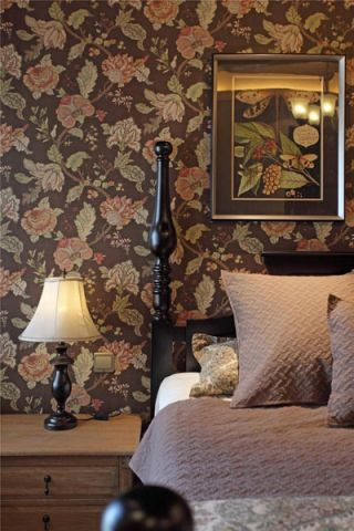 美观大方彩色卧室装饰实景图