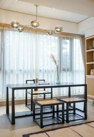 精雕细刻客厅茶几装饰实景图片