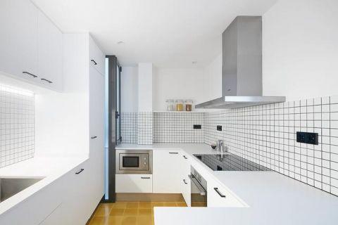 休闲白色橱柜室内装修设计