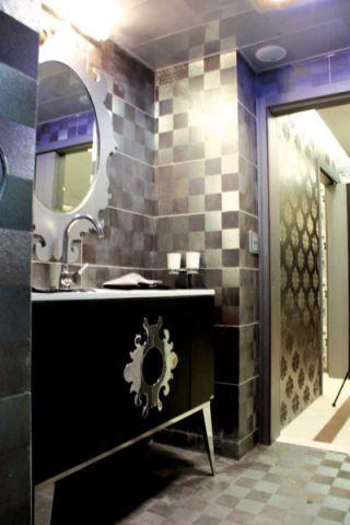 现代浴室柜装潢图