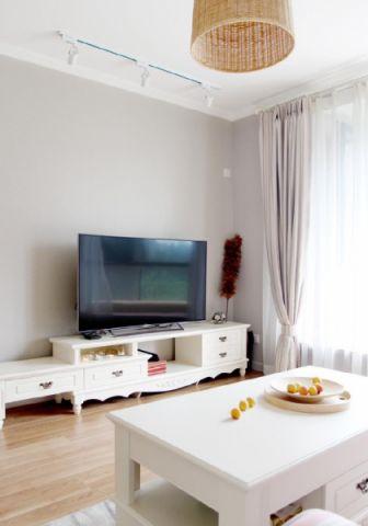客厅白色电视柜装饰实景图