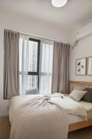 简约卧室窗帘装潢实景图片