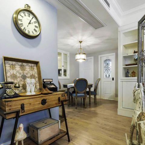 个性客厅挂钟美式室内装修设计