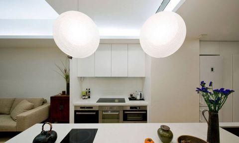 厨房餐桌装饰实景图片