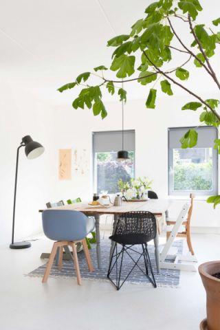 简约风格二居室66平米装修效果图