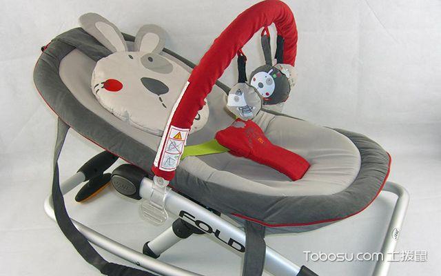 婴儿摇摇椅