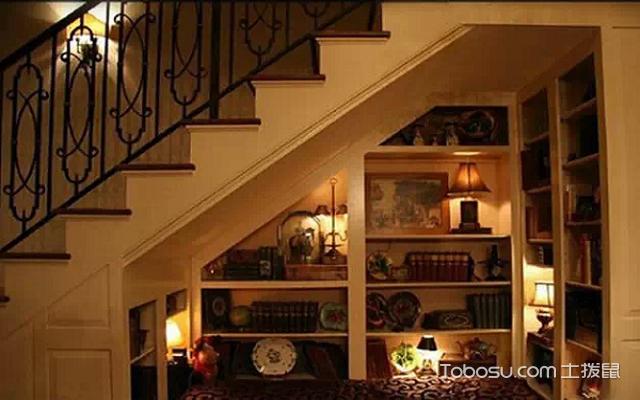 复式loft装修的楼梯底空间利用