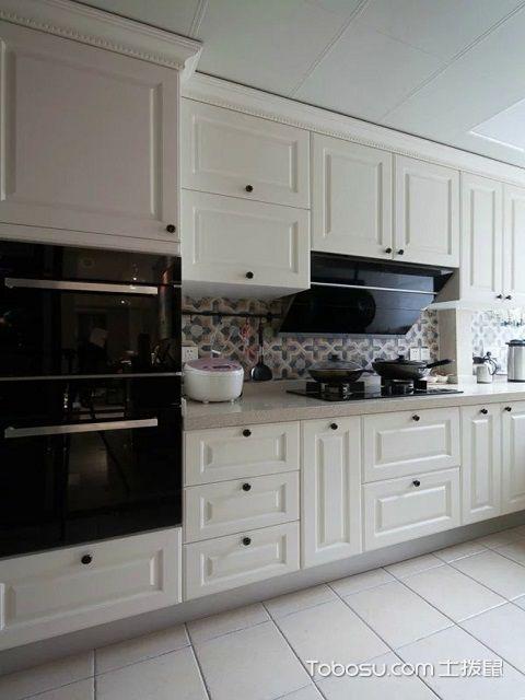 厨房橱柜多少钱一米