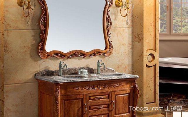 PVC和实木浴室柜哪个好