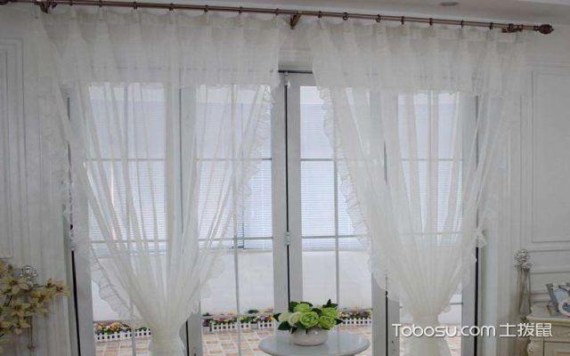 阳台窗帘用什么颜色好