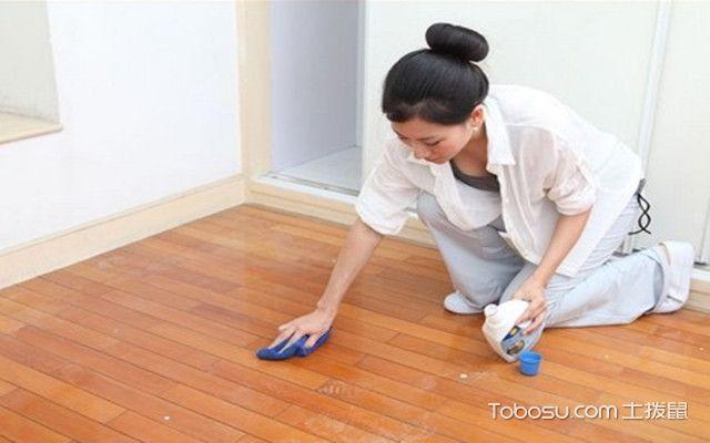 地板划痕怎么修补之皮革油