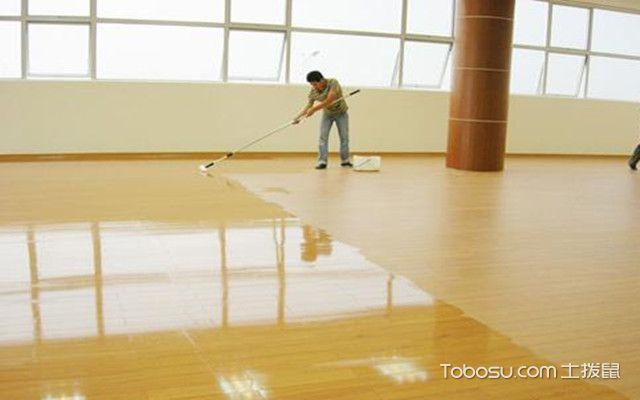 地板划痕怎么修补地板蜡