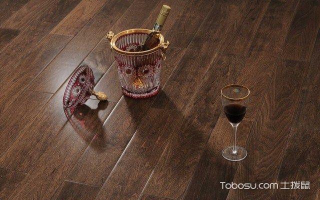 地板油漆味怎么去除