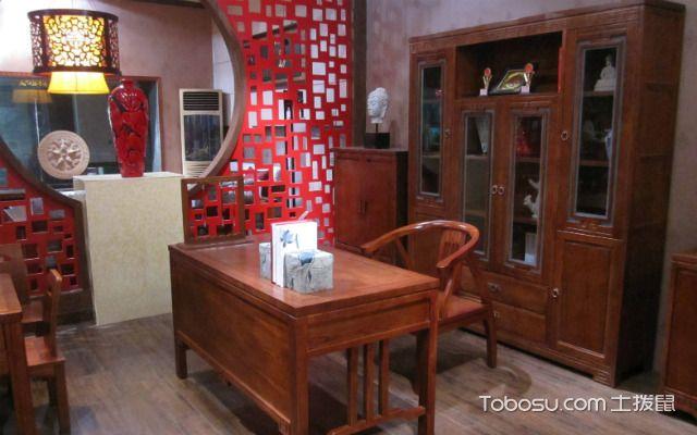 中式书柜的特点采用天然木材