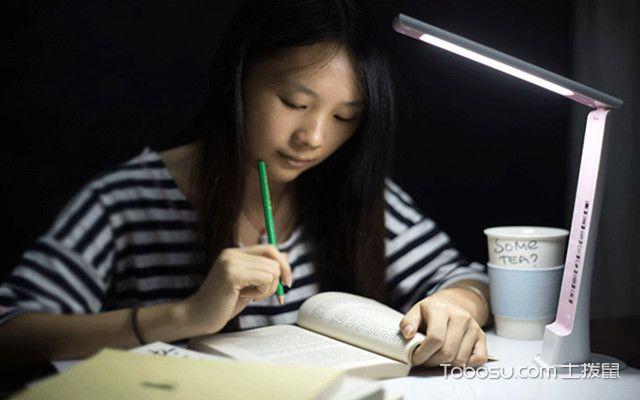 学生台灯如何选购之看色温值