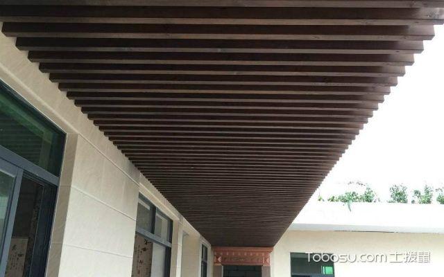 防腐木吊顶安装步骤之安装防腐木板
