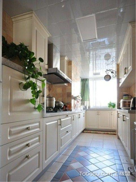 长方形厨房