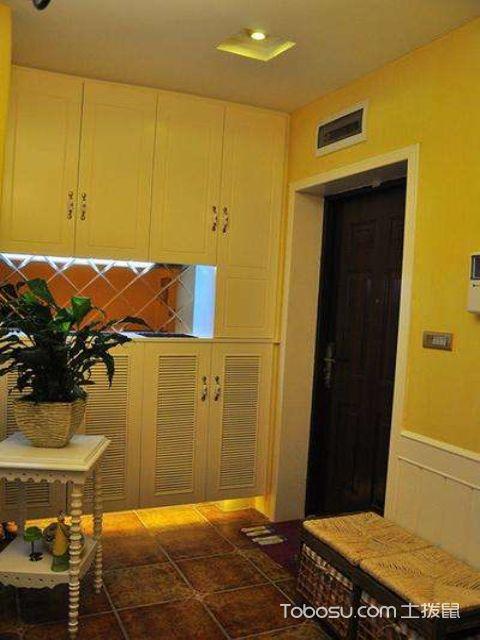 客厅玄关的灯具装修