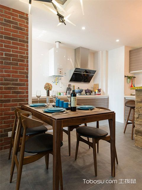 80平二居室装修厨餐厅