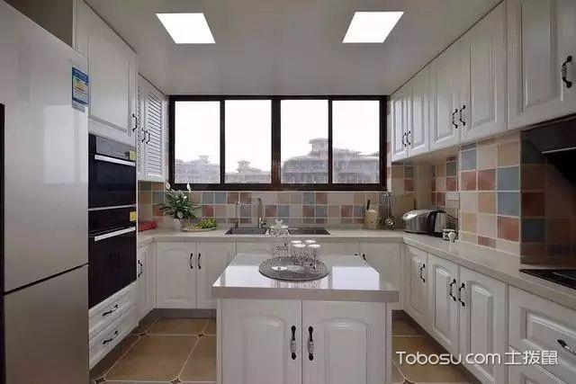 180平三室一厅装修厨房