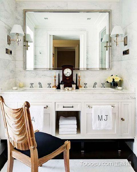 大户型浴室镜装修效果图之白色