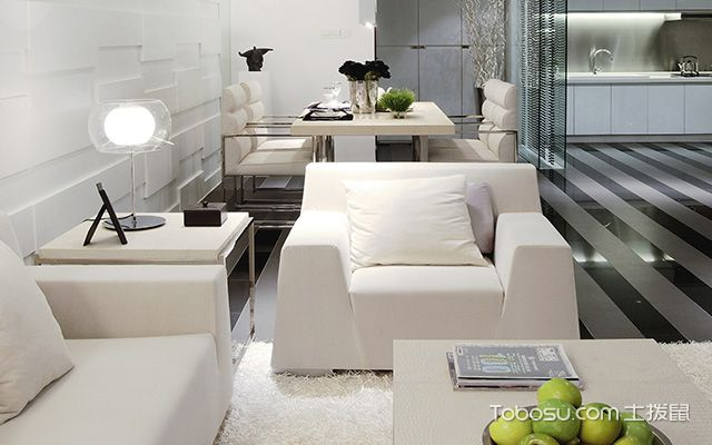 客厅沙发摆放的风水禁忌三:沙发后不宜对镜子