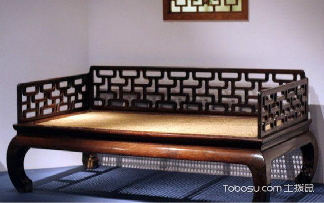 中式客厅罗汉床摆放