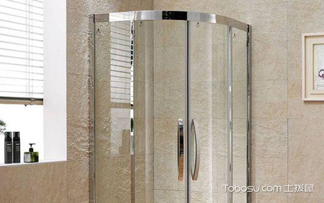 淋浴房高度案例图4