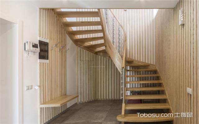 180平米复式楼梯设计