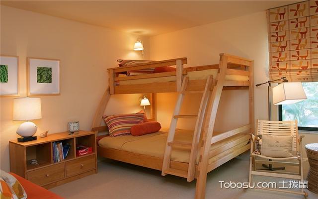 卧室双人床摆放