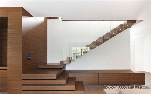复式楼梯铺装选择哪种地板好