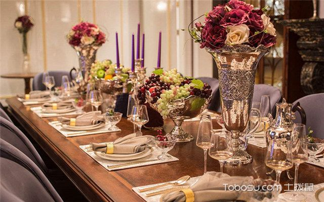 什么材质的餐桌最好保养