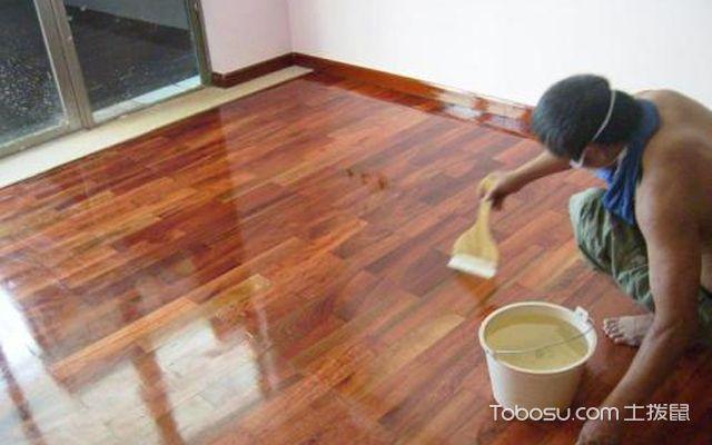 旧地板翻新多少钱一平方