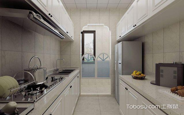 厨房更适合浅色调