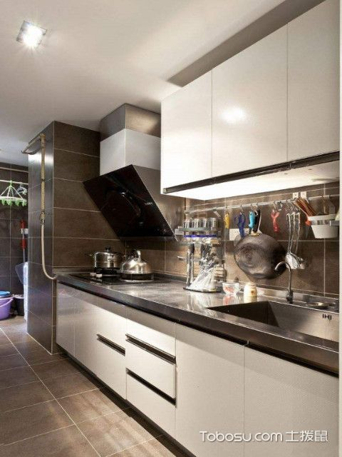 现代厨房和农村柴火灶装修区别及特点图片